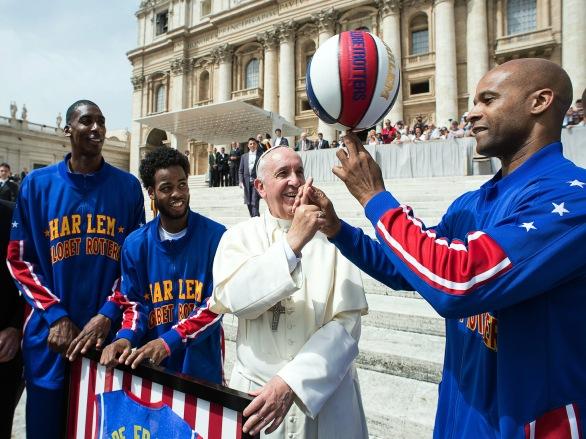 APTOPIX Vatican Harlem Globetrotters