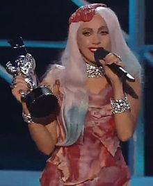 Lady_Gaga_meat_dress